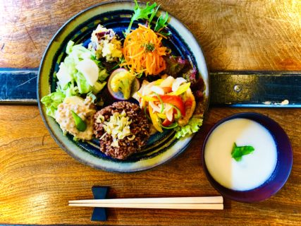 ベジレイク黒ちゃん食堂【酵素玄米弁当&ランチの日】